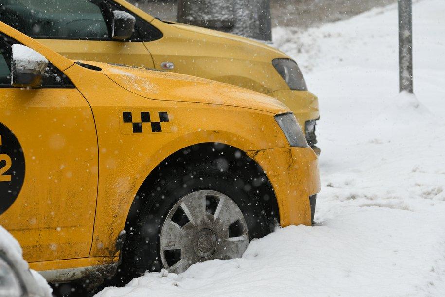 Москва поддержит такси и каршеринг субсидиями