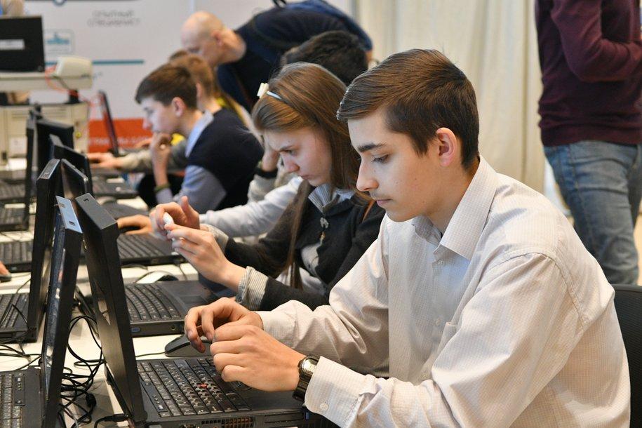 Очную форму обучения в московских школах вернут после стабилизации ситуации с Covid‑19