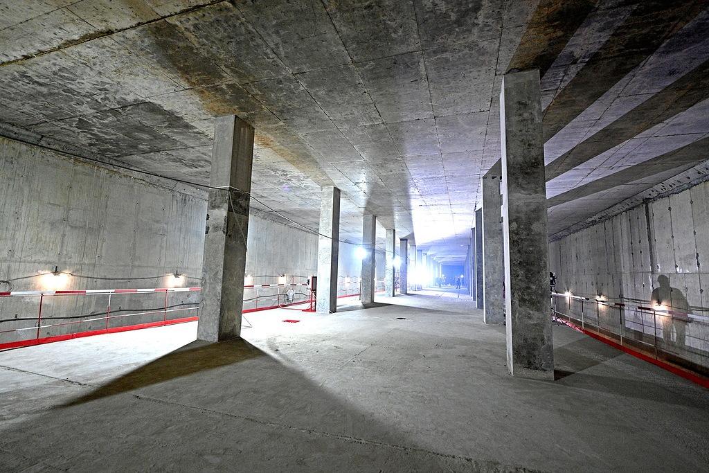 Строительные работы идут на станциях Троицкой линии метро