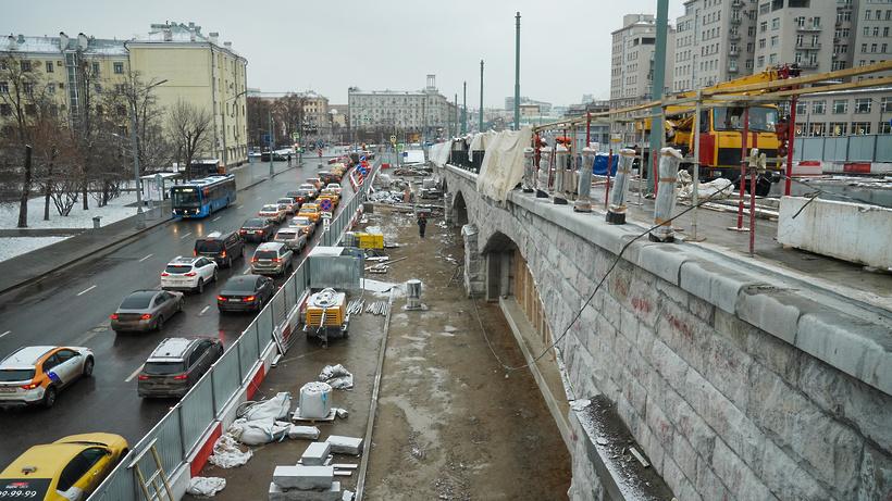 На отремонтированной части Большого Каменного моста открыто движение