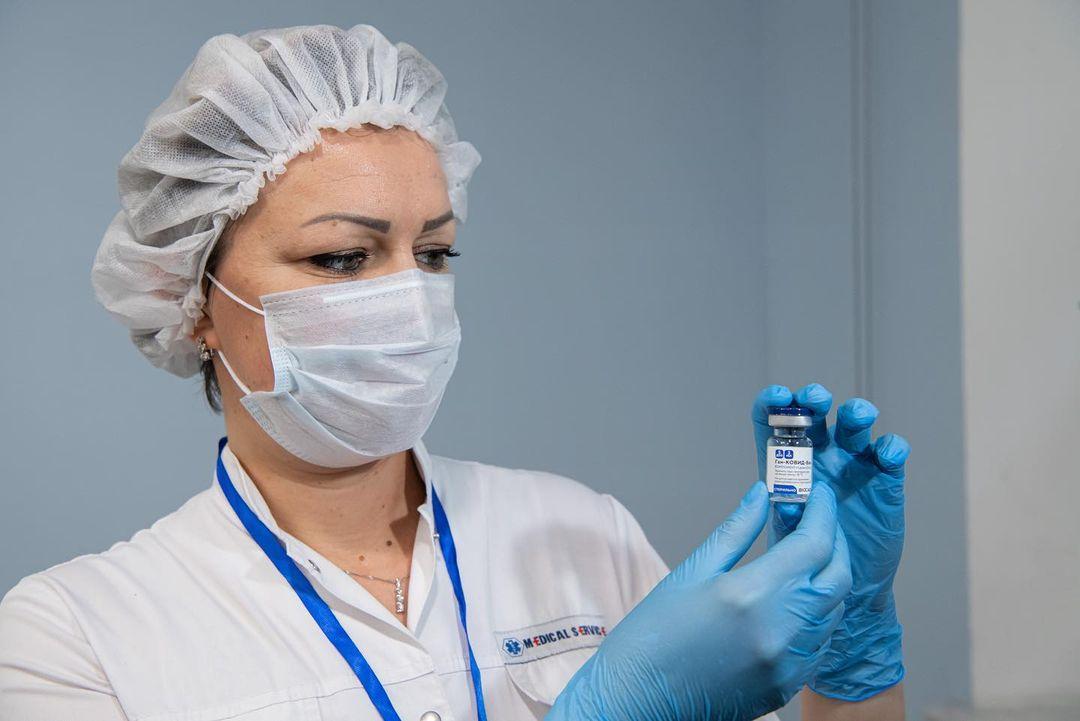 Более 320 тысяч человек привились от коронавируса в Москве