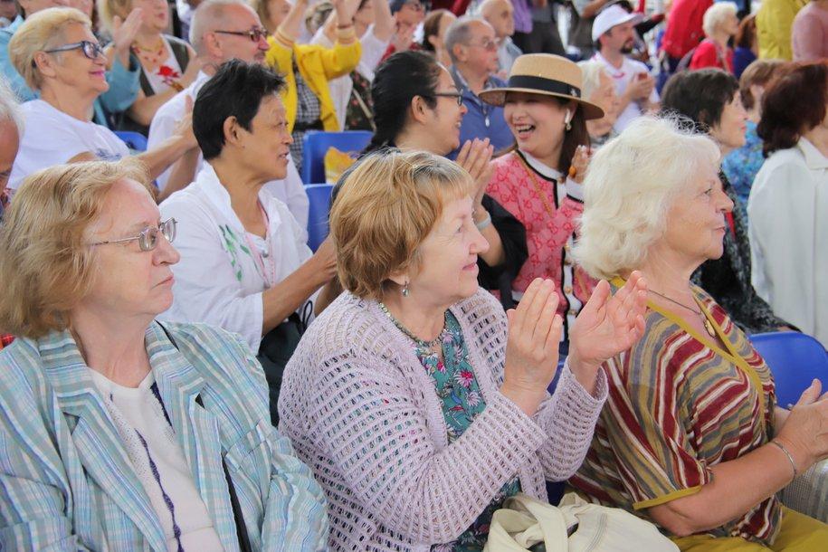 В Москве продлили домашний режим для людей старше 65 лет