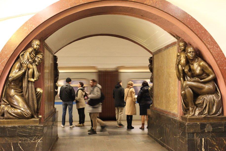 Поезда на Арбатско-Покровской линии метро следуют с увеличенным интервалом