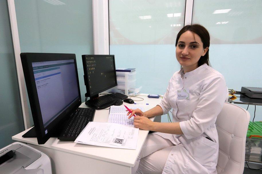 Москва начинает переход на электронные медицинские карты без дублирования на бумаге