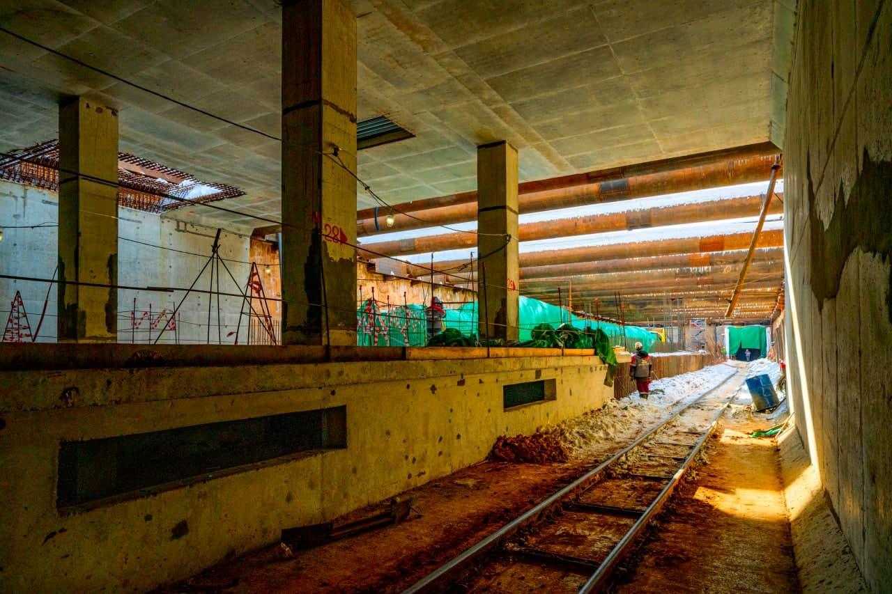 Участок Троицкой линии метро от станции «Улица Новаторов» до станции «Мамыри» уже готов на треть