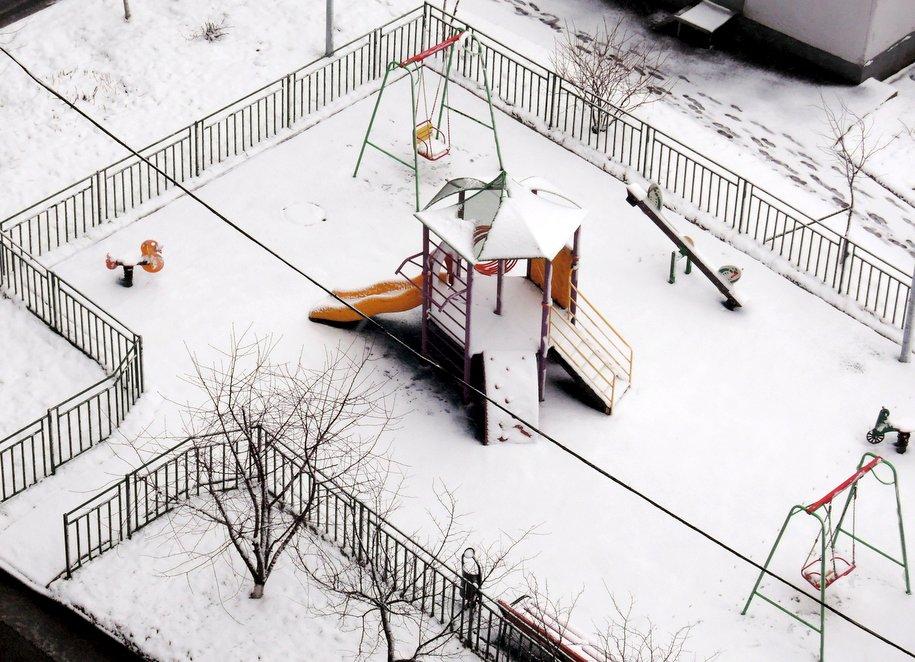 До конца года на севере Москвы благоустроят около 400 дворов