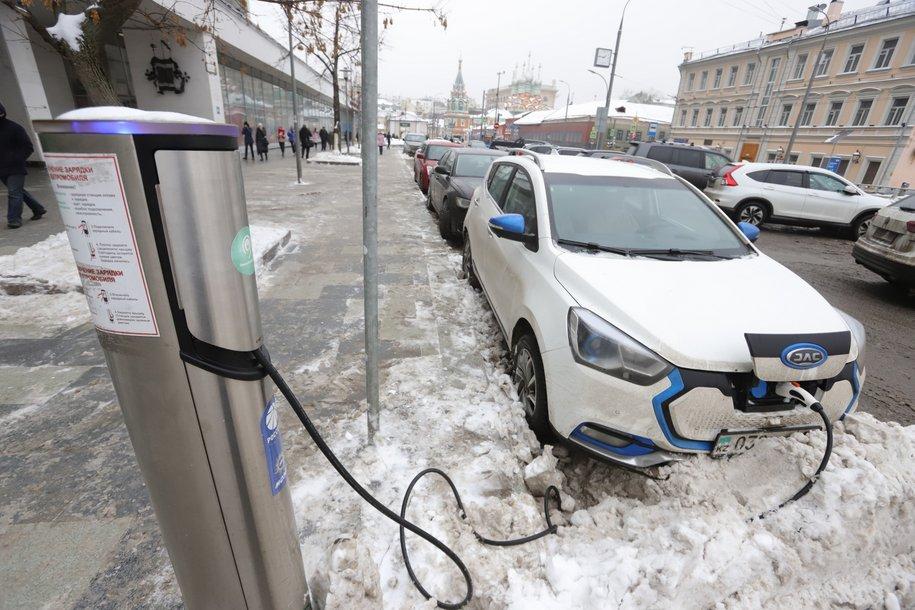 Парковки на улицах Москвы будут бесплатными 8 марта