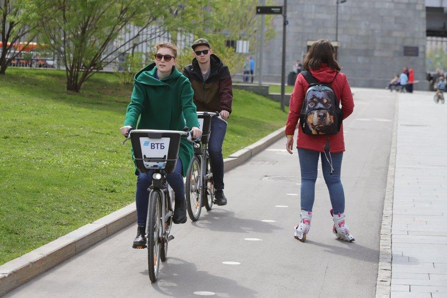 В четырёх столичных районах появятся временные велополосы