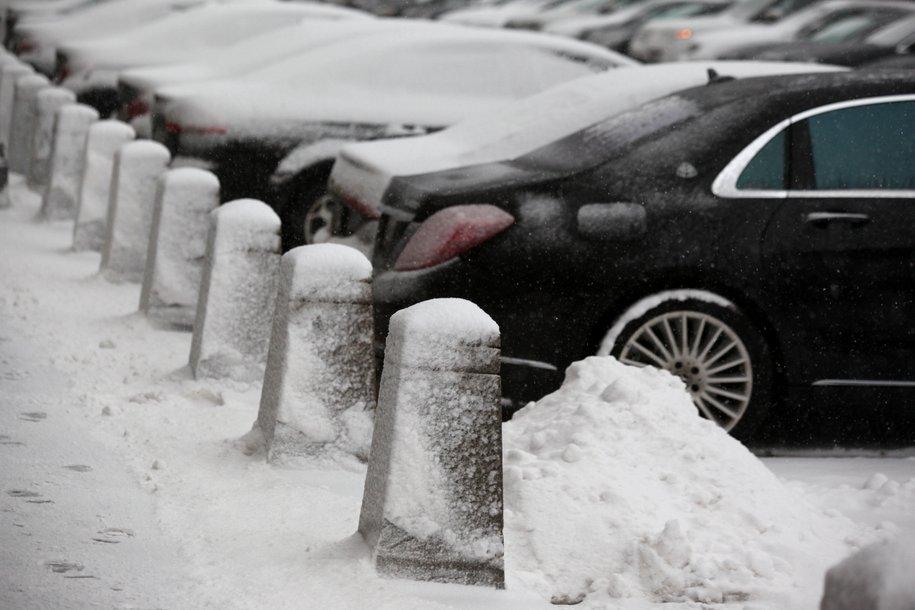 Москвичам посоветовали не менять зимнюю резину