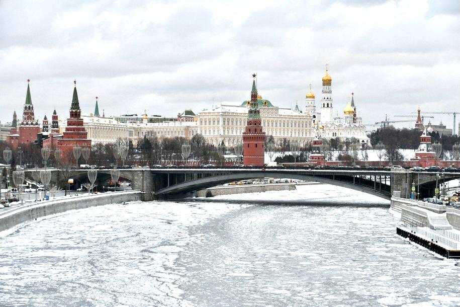 Толщина льда на городских водоемах уменьшилась на 5-10 сантиметров