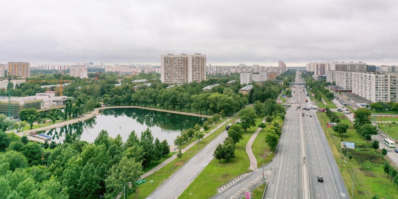 По программе «Мой район» благоустроят более 100 парков, скверов и территорий
