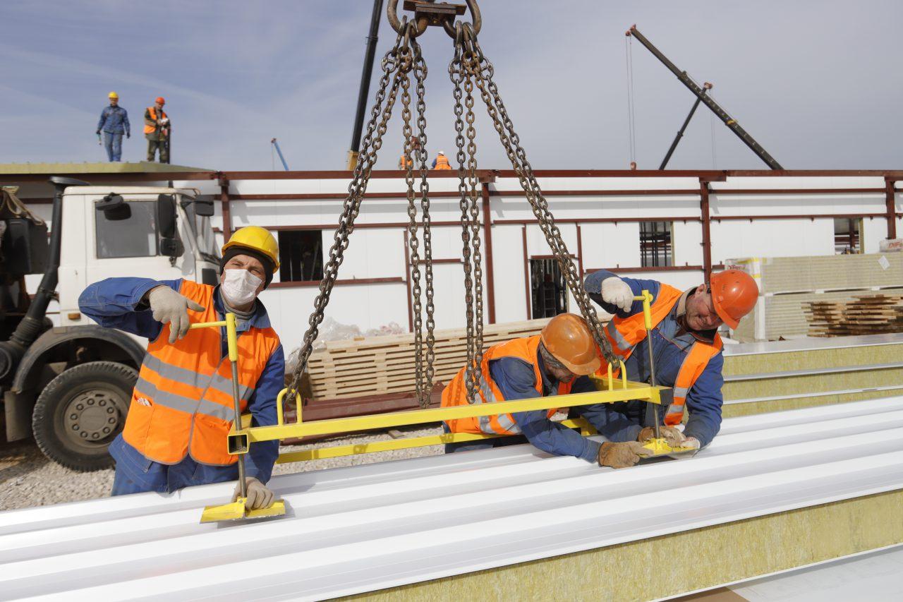 На стройплощадках Москвы планируется нарастить количество рабочих из регионов страны