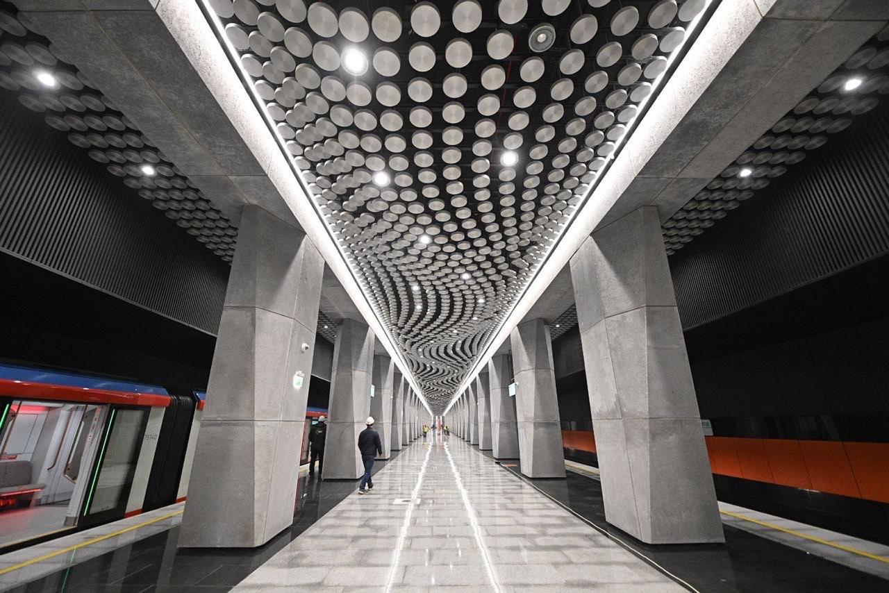 В оформлении станций южного участка БКЛ архитекторы использовали уникальные материалы