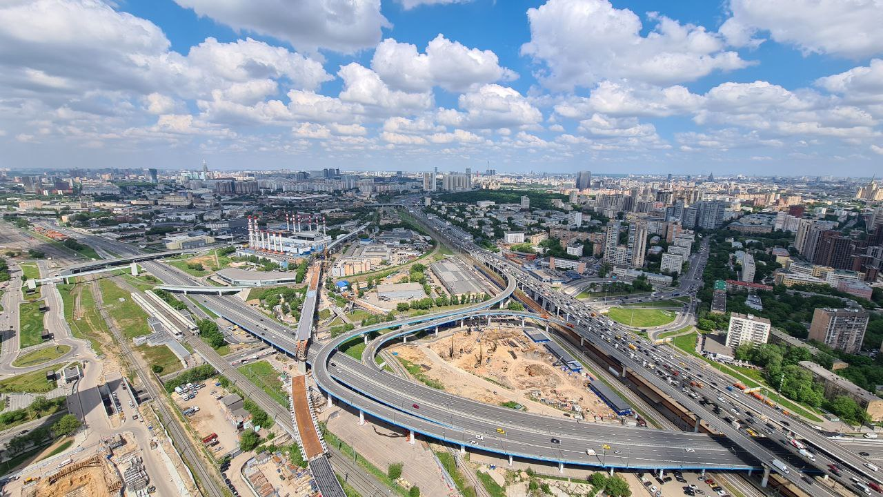 К средине 2024 года завершится реконструкция еще четырех развязок на МКАД