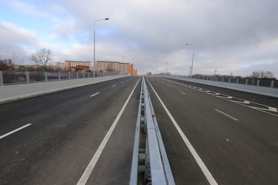 Более 12 км дорог и девять искусственных сооружений построено в рамках двух новых участков СВХ